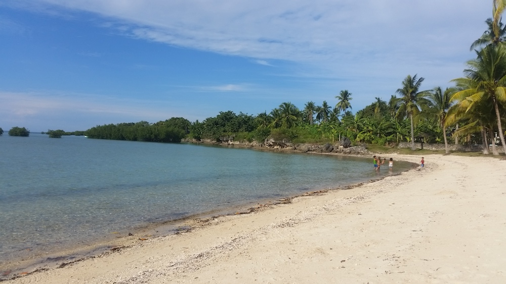 Sipaway Island private beach