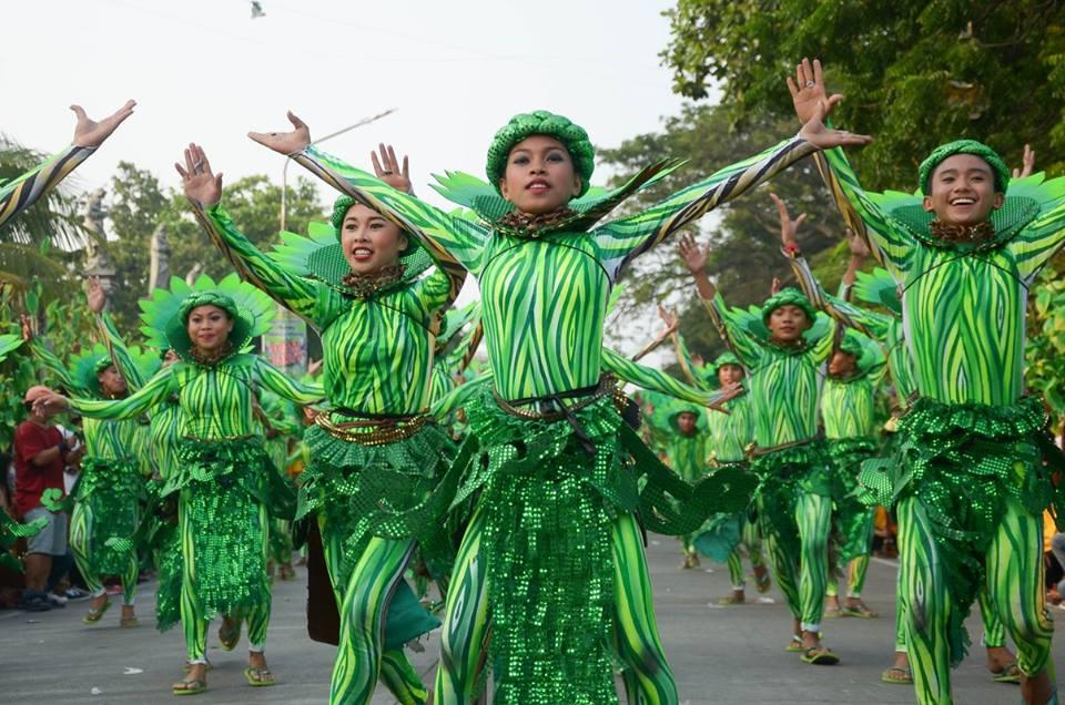 Street dancing in Dumaguete 2015