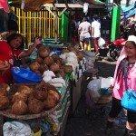 Vendors at Carbon Market Cebu - Cebu Tours